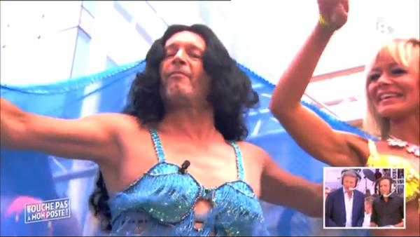 Jean michel maire en danseuse orientale